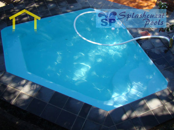 Splashcuzzi Pools We Specialize In Fibreglass Swimming Pools Solar Heating And Pool Heating Pool