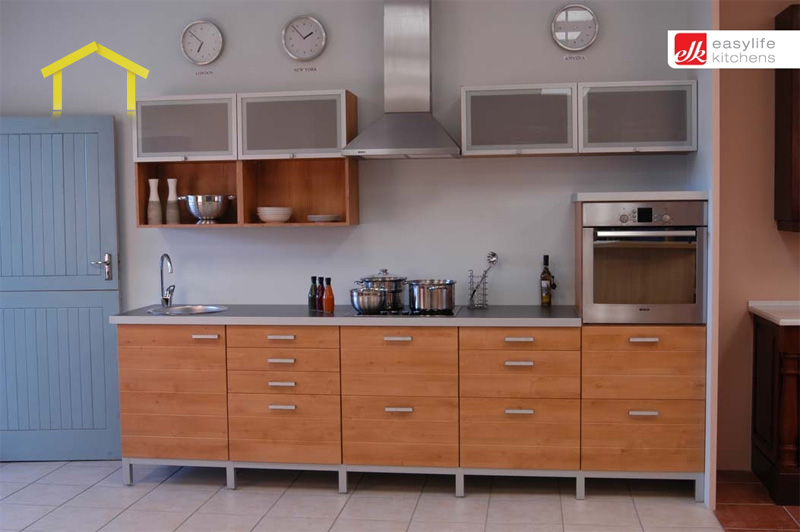 Nelspruit kitchen contractors 1 list of professional for Kitchen designs east london south africa
